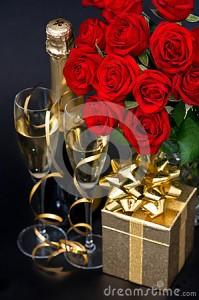 rode-rozen-gouden-gift-en-en-champagne-25999538